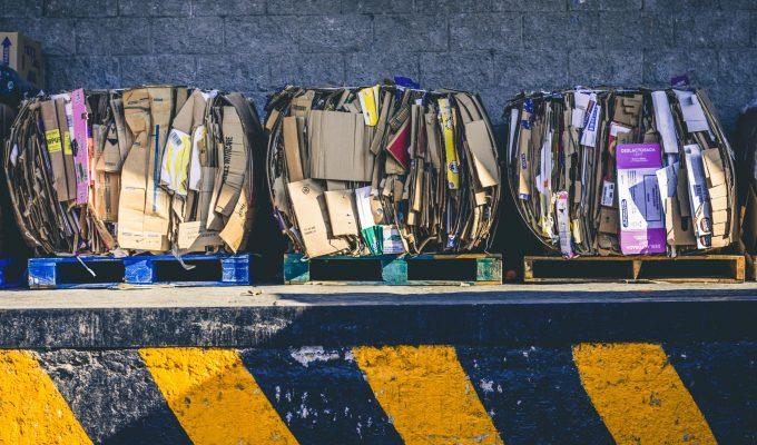 Le recyclage, ce bac qui nous est maintenant familier, mais peut-être pas tant que ça au fond…